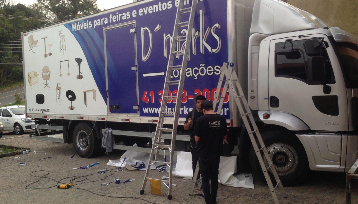 Adesivo para caminhão: Como retirar sem manchar o veículo?